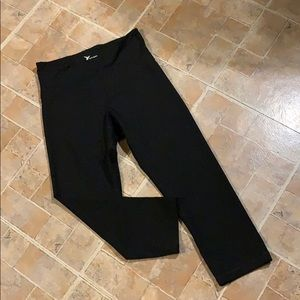 Old Navy Active cropped compression leggings